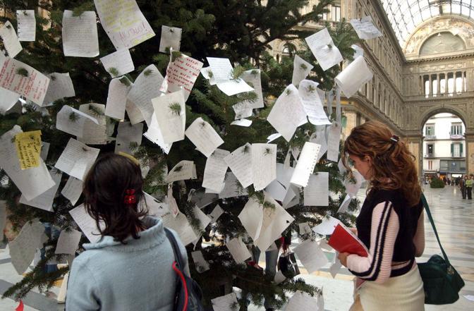 L'albero di Natale in galleria, una tradizione che dura da 26 anni
