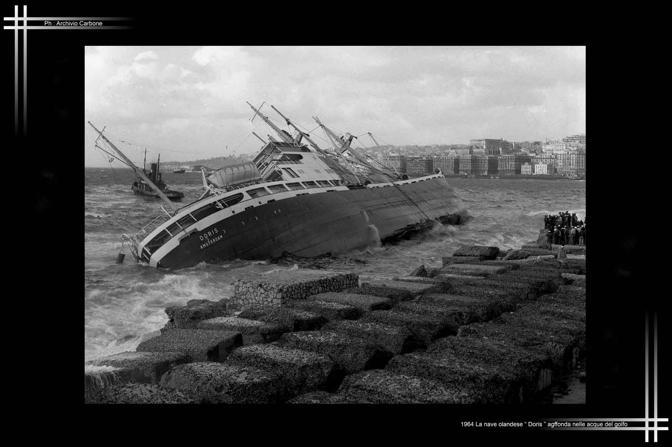1964 - La nave Doris affonda nelle acque del golfo