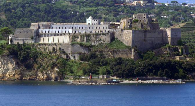 L 39 antico teatro guarda le immagini corrieredelmezzogiorno - Villa mirabilis piscina ...