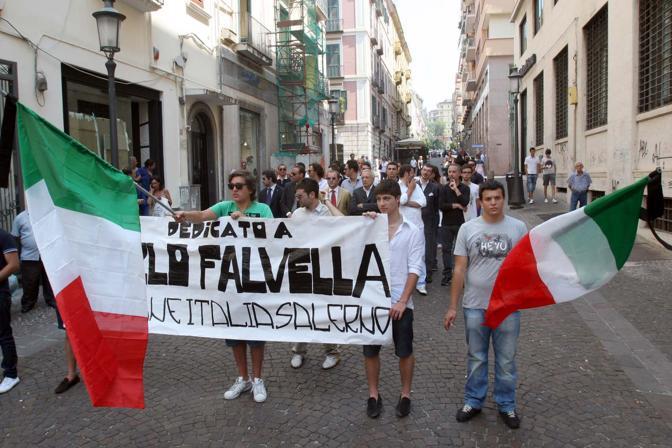 Alla manifestazione hanno partecipato anche alcuni gruppi di destra, uniti sotto la sigla Giovane Italia