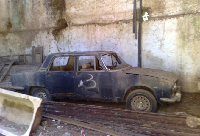 Il raid vandalico ha preso di mira alcune auto d'epoca e antichi attrezzi agricoli cilentani