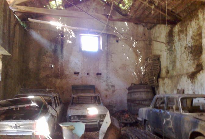 Gli oggetti contenuti nell'antico casolare della Torretta risalente al 1632 sono stati distrutti durante il raid vandalico