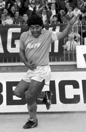 Maradona, tango argentino dopo un gol