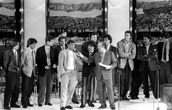 Maradona con Minà in tv: galà per il primo scudetto azzurro