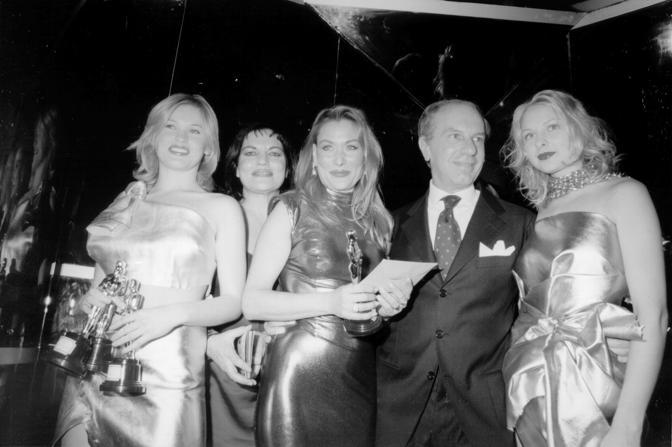 Cristina Donadio, Patrizia Reichlin, Mino Cucciniello e due modelle