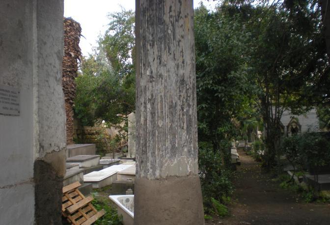 Vasca Da Bagno Napoli : Cimitero ebraico di napoli le foto corrieredelmezzogiorno