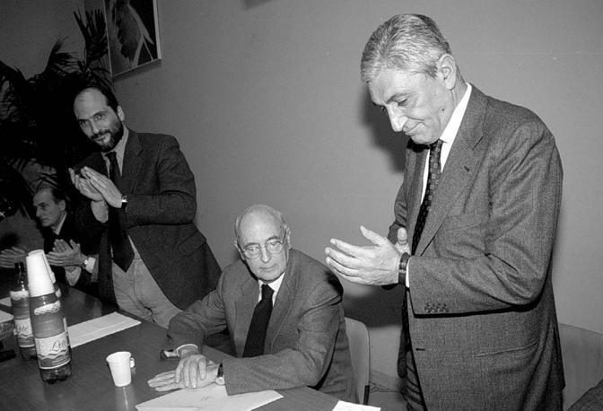 Bassolino con Napolitano e Cozzolino. Era il 1999