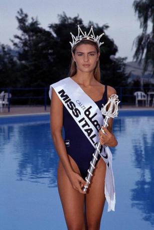 Martina Colombari 1991