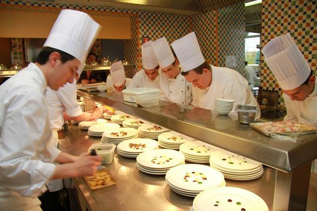 Il progetto armonia fotogallery corrieredelmezzogiorno - Brigata di cucina ...