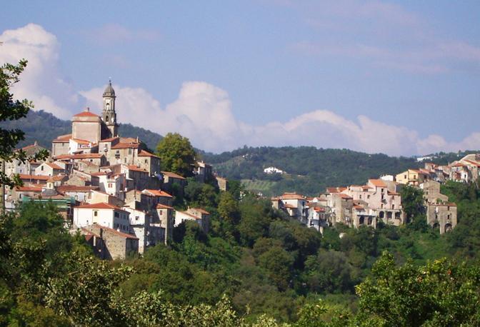 A pochi chilometri da Sapri il borgo di Vibonati