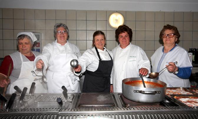 Le cinque chef al lavoro