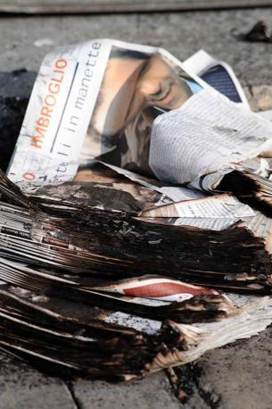 Materiale cartaceo bruciato