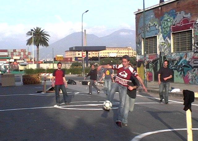 Il torneo di calcio in strada