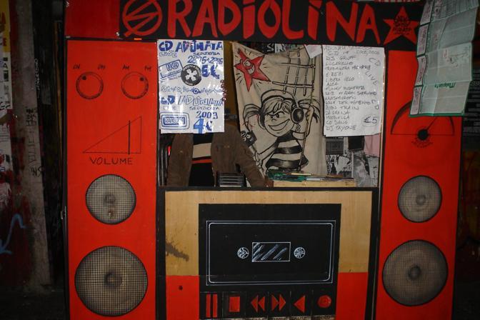 Il «Linabox»,  la regia itinerante di RadioLina, la radio che trasmette da Officina 99