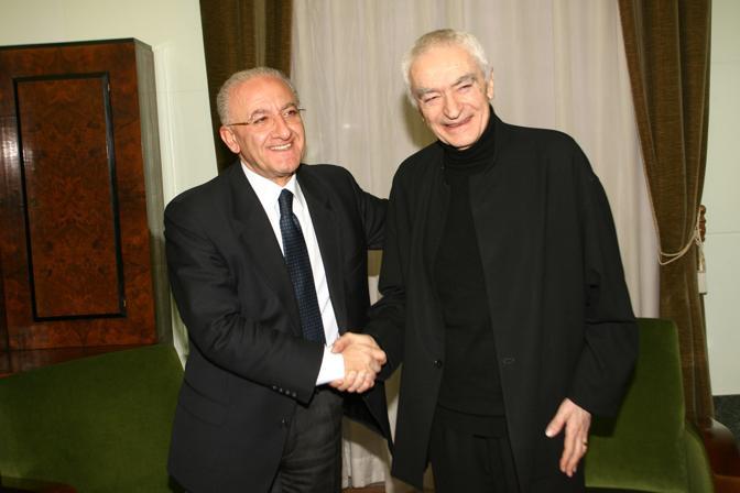 Al Teatro Verdi il guru del design Vignelli e il sindaco De Luca