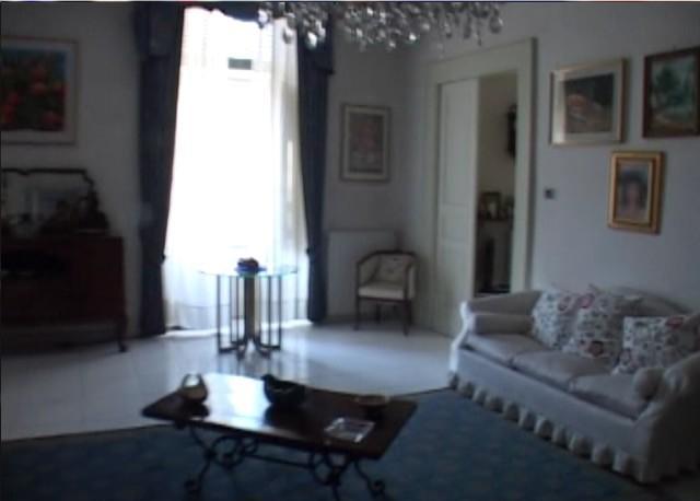 Nel palazzo decrepito la casa di san giuseppe moscati for Foto di decorazione della casa del cottage
