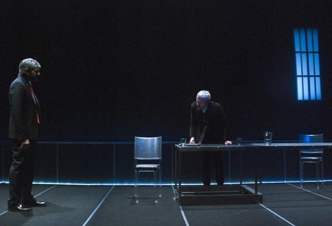 Buona la prima le foto di scena corrieredelmezzogiorno - La finestra sul teatro ...