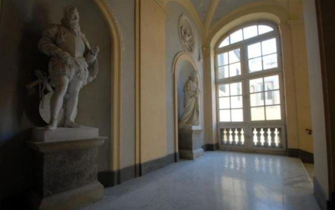 Palazzo Doria d Angri - DA INTERNET - D