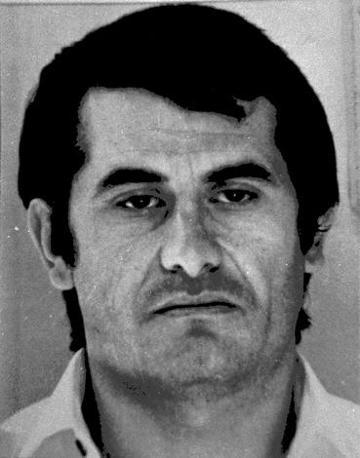Antonio Bardellino, fondatore  del clan camorristico dei Casalesi tra gli anni Settanta e Ottanta. È morto a Rio de Janeiro nel maggio 1988, in circostanze mai del tutto chiarite.