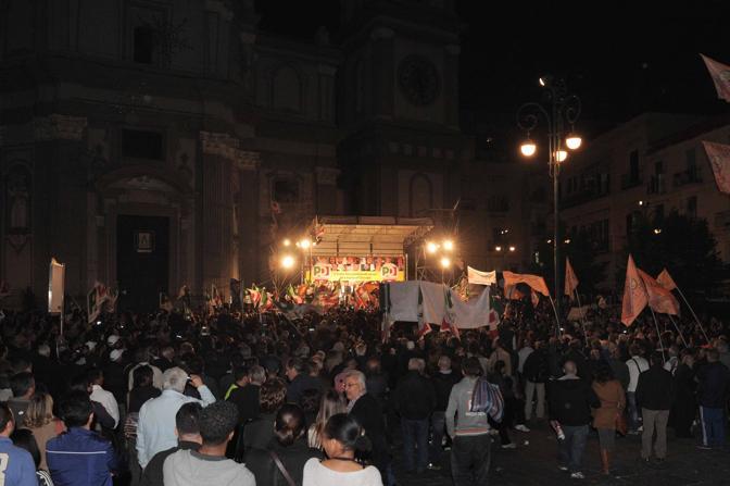 La piazza gremita