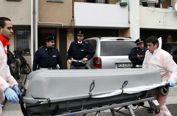 Nella foto i corpi delle due vittime più giovani