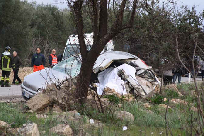 Taranto, morte due perone in un incidente