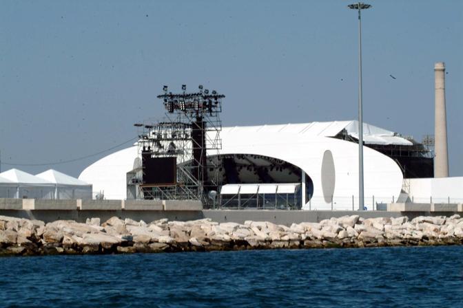 Bari - il palco del Papa a Marisabella visto dal mare