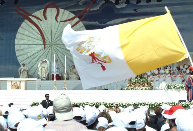 Papa Benedetto XVI a Bari al Convegno eucaristico Nazionale foto ARCIERI