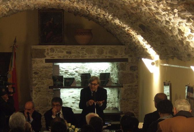 La sala gremita per l'intervento di Vittorio Sgarbi