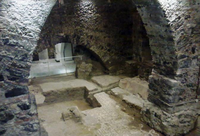il monastero dei benedettini aperto la sera - corrieredelmezzogiorno - Domus Cucine