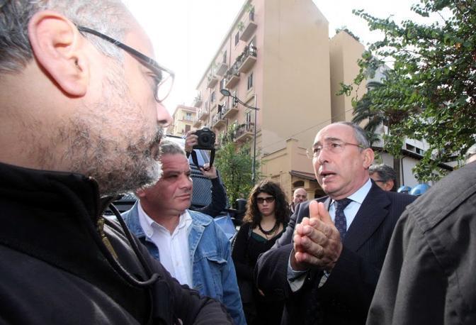 Alla contestazione ha partecipato anche una delegazione di operai Gesip, la partecipata del Comune di Palermo in liquidazione, che ha successivamente incontrato il ministro Balduzzi, insieme al prefetto Postiglione, per chiedere attenzione sulla loro vertenza