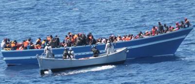 Pozzallo, sbarchi di profughi senza fineTra i 355 di oggi c'� anche un neonato