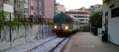 Salerno-Napoli, stop ai treni da 7 mesi La Procura di ...