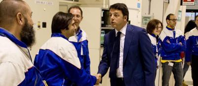 Renzi visita la Condorelli e la 3Sun�Lavoro, guardiamo bicchiere mezzo pieno�