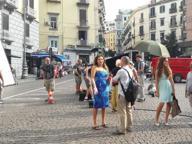 Il set di «Sirene», film di Ivan Cotroneo, in piazza dei Martiri a Napoli
