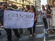 Scuola, tensioni davanti a istituto di Napoli per i trasferimenti