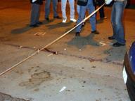 Lite in un locale, spuntano le pistole Due arresti per sei ragazzi gambizzati