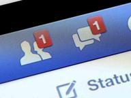 Offese per un video hard, il giudice: Facebook elimini quei commenti