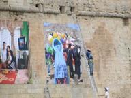 Il trapano contro mura storiche Monopoli non vuole i cartelloni