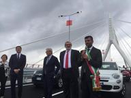 A Bordo di una 500 verde il premier inaugura il ponte