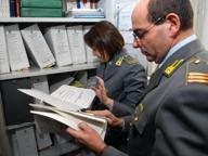 Estorsioni a cittadini stranieri, arrestato ispettore dei vigili urbani