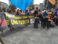 Napoli, protestano i docenti della scuola, la Cgil e i licenziati Fiat