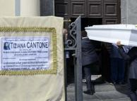 Morte Tiziana, due degli indagati: ci contattò lei e ci inviava video hard