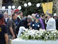 Taranto, l'ultimo saluto a Giacomo «Non si può più morire per lavoro»