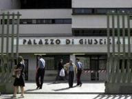 Napoli, allarme bomba in Tribunale Trolley incustodito ma è vuoto