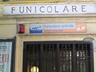 Funicolare chiusa, da lunedì minibus per la tratta da via Toledo al Corso