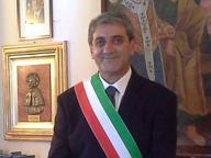Chiede un appuntamento in Comune e aggredisce il sindaco Lomoro