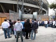 Il Napoli taglia i prezzi dei biglietti per la sfida contro la Roma: curve a 25 euro e distinti a 35