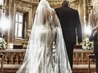 Rapina una banca per fare regalo di nozze alla figlia: arrestato Video