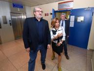 Emiliano all'ospedale San Paolo Sfiora incidente diplomatico con M5S